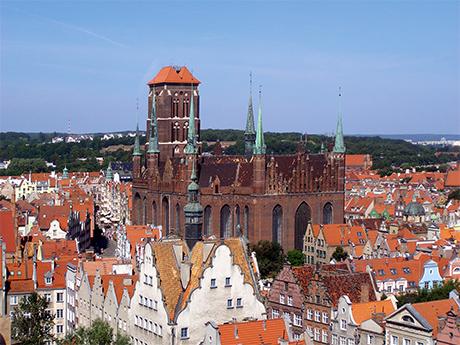 In den Gebieten, die seit 1945 zu Polen gehören, wurden die evangelischen Kirchen mit wenigen Ausnahmen in römisch-katholische Gotteshäuser umgewandelt. Die Marienkirche in Danzig/Gdańsk ist heute eine katholische Konkathedrale.