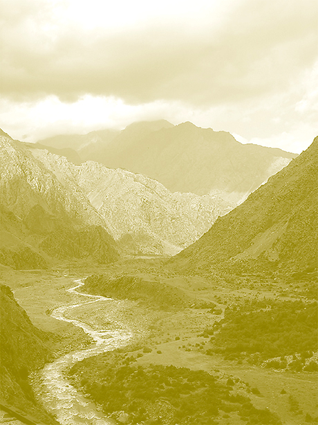 Der Oberlauf des Terek-Tals bei Stepantsminda. An der Georgischen Heerstraße gelegen war er für die deutschen Siedler das Tor durch den Großen Kaukasus.