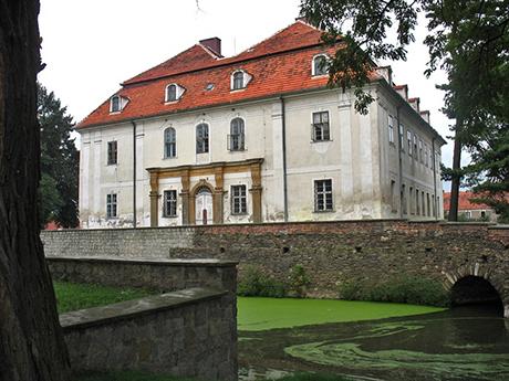 Schloss Mertschütz (Mierczyce), ein barock umgestaltetes Renaissance-Wasserschloss, ist heute im Privatbesitz.
