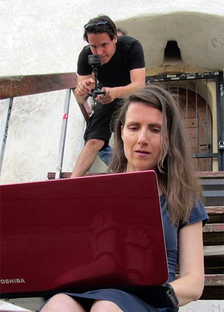 Paula Schneider und im Hintergrund Maximilian Bosch